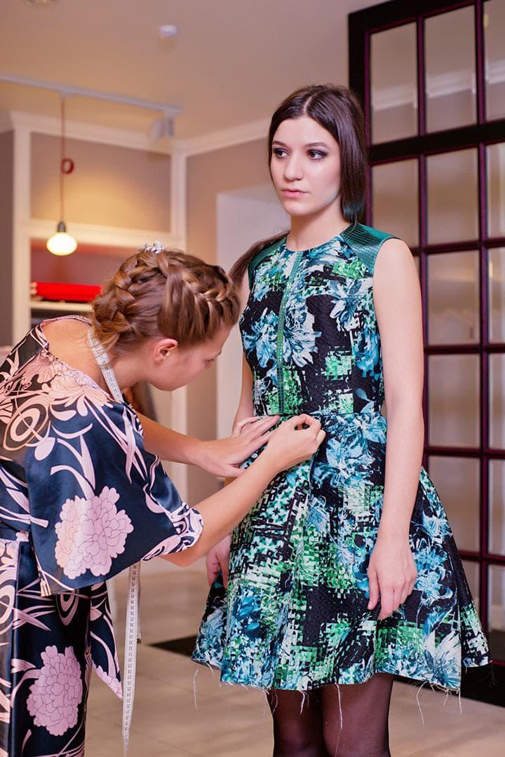 Примерка платья при пошиве